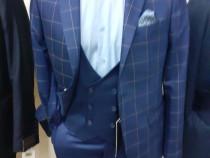Costum trendy cu vestă și sacou carouri nou mas 48