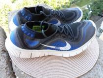 Adidasi Nike, mar 42.5 (27 cm) made in Vietnam.