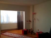 Ofer spre inchiriere apartament cu 3 camere ultracentral