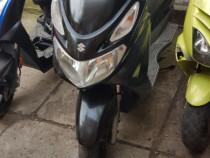 Scuter suzuki burgman 125 cc import italia