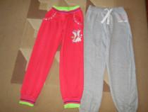 Pantaloni de trening si ciorapi lungi pentru fete