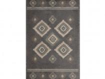 Covor living / dormitor dreptunghiular gri 67 x 120 cm. NOU.