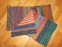 Fular din lana, cu dimensiunea de 34.5 cm/ 315 cm, realizat