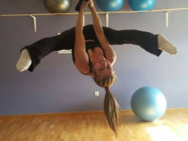 Curs instructor pole dance fitness
