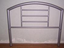 Capete pat din metal