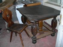 Masa foarte veche, lemn masiv, sculptata + 3 scaune