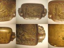 Scrumiera veche- Cerb-Caprioara, bronz masiv in stare buna