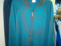 Pullover barbatescsport/ trendy Marime L Nou Pret 35 roni