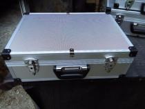 Geanta aluminiu case s/conectica microfon cabluri laptop