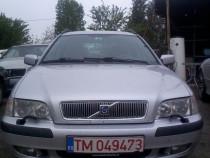 Se dezmembreaza Volvo V40 an fabricatie 2000,motor 1.9Diesel