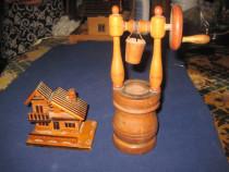 1903B-Set decorativ rustic-Pompa cu Casuta din lemn.