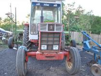 Tractor international 744