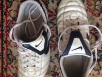 Ghete fotbal Nike nr. 38