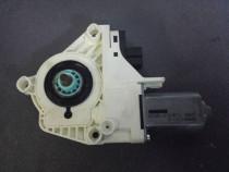 Motoras macara geam fata dreapta Audi A6 4F cod 4F0959802D