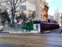 Stradal birou/depozit+curte Metrou C.Georgian