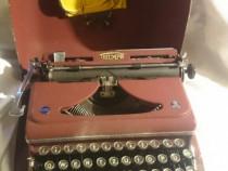 Mașină de scris triumph în stare de funcționare foar.buna