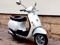 Inchiriere scutere Vespa 50 cc cu ora sau ziua