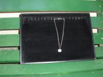 Tava catifea neagra prezentare bijuterii