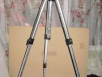8344-Stativ foto duraluminiu groscu cleme groase prindere.