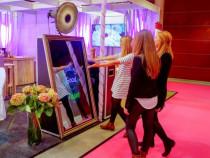 Cabine foto evenimente (3 modele): Oglinda, Insta, Photo Pro