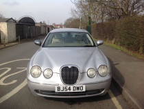 Dezmembrez Jaguar S Type fara motor