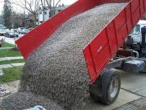 Transport balast nisip pamant negru moluz etc