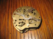 Mecanism mic vechi rotund ceas vechi pendul sau masa 1900.