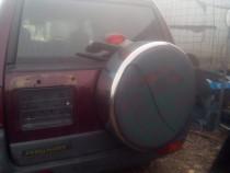 Dezmembrez Land Rover 2.0 diesel
