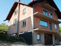 Firma de constructii executam casa la rosu