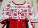 Costum popular fetita 9-11 ani, cusut manual
