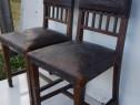 Set 2 scaune vechi, tapiterie din piele de Cordoba