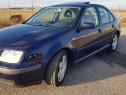Volkswagen bora, benzina 1.6 16V.