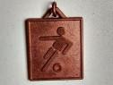 Breloc metalic vechi de colectie turneu fotbal 1983 Italia