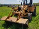 Dezmembrez Buldo-Excavator Case 580 G cu Turbo