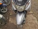 Dezmembrez scuter Suzuki Burgman motor 250cc 4t. Orice piesa