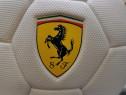 Minge fotbal de colecție (Ferrari)
