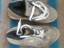 Pantofi sport-casual bărbătești marca Vans, mărimea 40-40,5