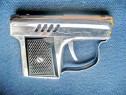 C901-I-Bricheta pistolet ELHAGEE 1022 veche benzina metal.