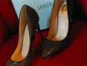 Pantofi J-by-Janiko