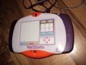 Consola digitală cu touchpad interactiv și camera foto