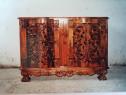 Mobila din lemn de nuc sculptata manual