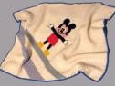 Paturica din lana crosetata,cu Mickey Mouse