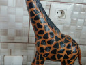 Girafa lemn african cu piele Omersa