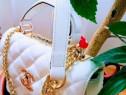 Geantă Chanel cu mâner logo metalic auriu, Franta