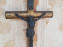 Crucifix vechi pentru perete