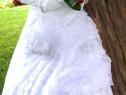 Rochie de mireasa deosebita