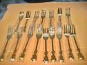 Set 16 lingurite metal aurit stare foarte buna Europa Vest.