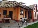 Casă 3 camere,verandă, bucătarie, baie, gradină centru