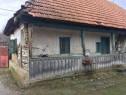 Casa veche traditionala din lemn (pentru muzeu)