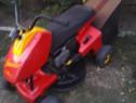 Tractor mic iarba gazon adus Germania